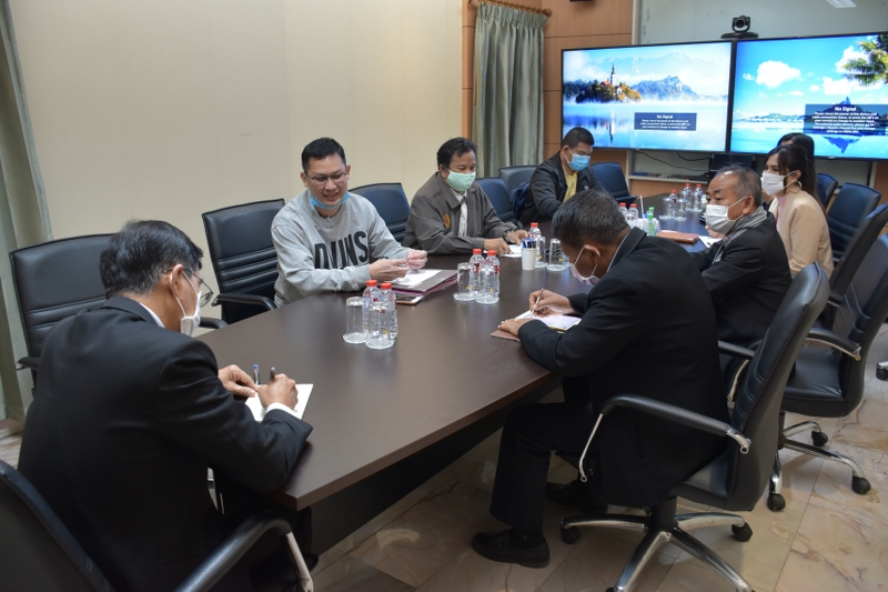 ม.นครพนม ประชุมคณะกรรมการฯ หารือแนวทางพัฒนาพันธุ์โคเนื้อคุณภาพ