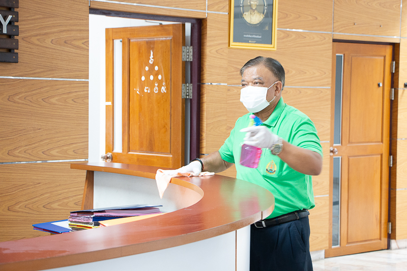 """มนพ. จัดกิจกรรม """" Big Cleaning Day """" ร่วมใจพิฆาตต้านโควิด19 (COVID-19)"""